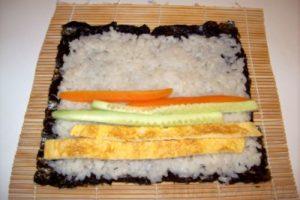 ingredientes para sushi rolls